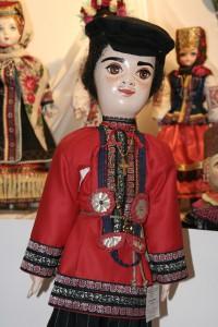 Филипп в старинном народном костюме